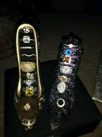 Jewelry x 4 shoe stands/rings