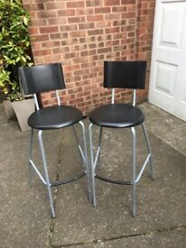 2 x high chairs