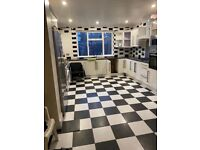 Spacious 5 bed house in ilford HMO.