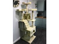 Never been used Pawhut 181cm Centre Sisal Cat Tree is a perfect for your pet.