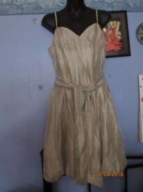 VERY BEAUTIFUL GOLD COLOUR STRAPPY PUFFBALL DRESS SIZE 14 BY TEATOS PARTY / WEDDING