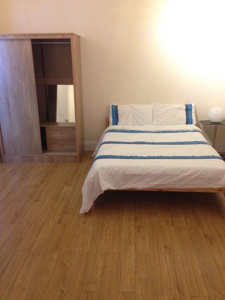 Double Room In Newly Refurbished House Near Valentines Park, Ilford