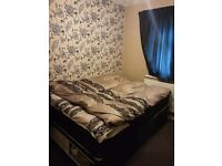 Double bed like new one