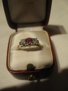 GORGEOUS VINTAGE 14K LADIES YELLOW / WHITE GOLD DIAMOND/RUBY RING