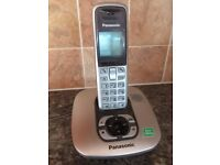 Digital Cordless Answer Phone + 2 separate handsets