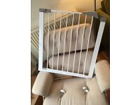 Lindam Baby Safety Gate (pressure-fixed)