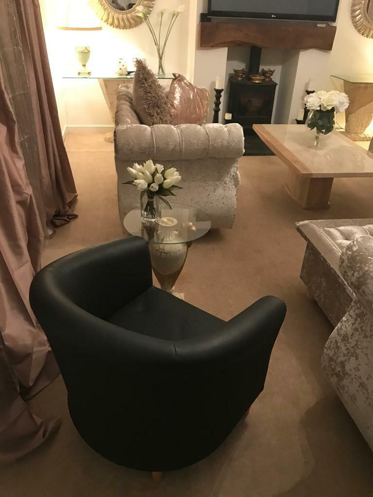 Black tub chair - Ex Con only £10