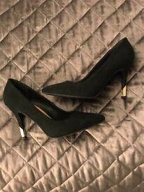 New look Court shoe heels size 5