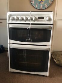 Cannon 60cm Freestanding Gas Cooker comes with grill. Needs cleaning