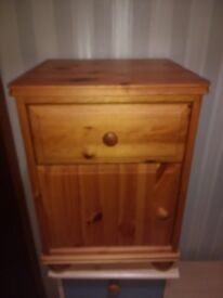 PINE Bedside cabinet / Table / Drawers