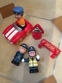 ELC Happyland policefigures and racing-car