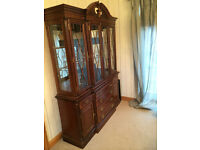 Beautiful Mahogany Dresser - perfect for a dining room!