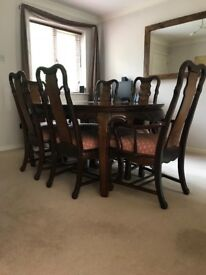 Solid Wood Extendible Dining Room Table and Chairs