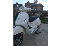 As New Vespa ONLY 135 MILES ON CLOCK. 36 PAGGIO WARRANTY REMAINING