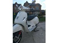 As New Vespa 125 GTS ONLY 135 MILES ON CLOCK. 36 PAGGIO WARRANT REMAINING