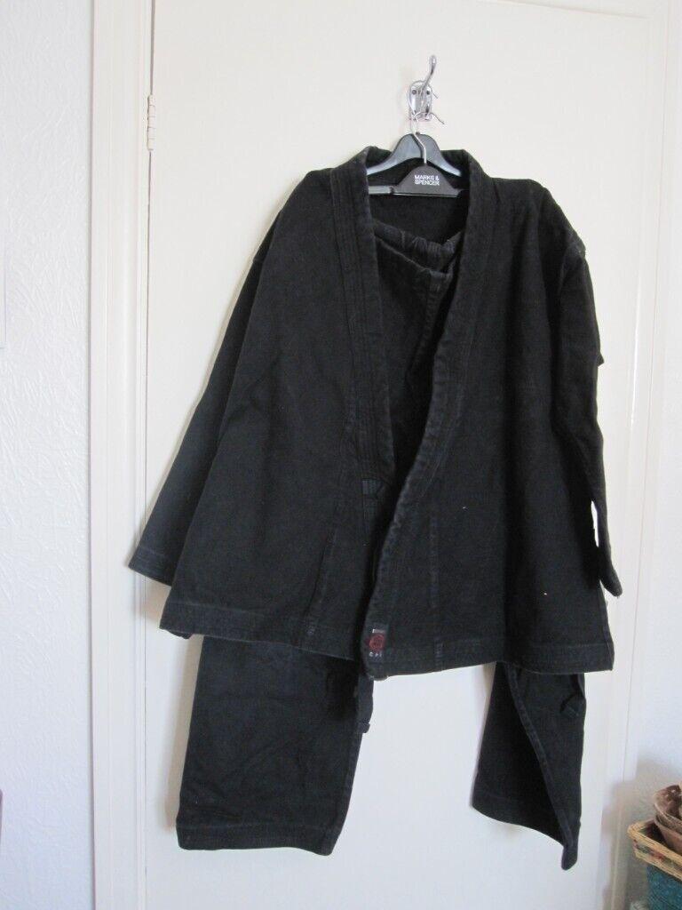Martial arts Gi suit – size 4