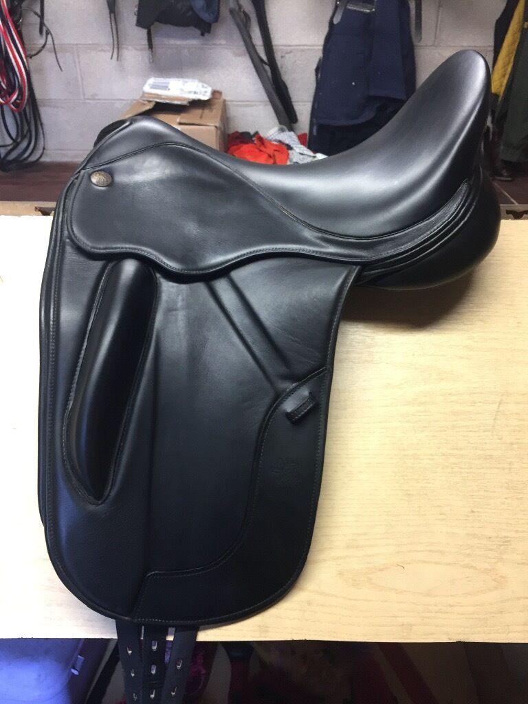 "Fairfax Dressage Saddle 17.5"""