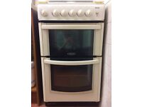 Hotpoint GW32 cream slot in gas cooker - excellent condition *COLLECTION ONLY*