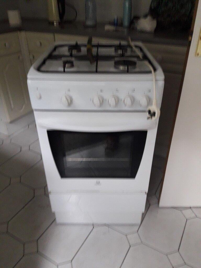 Free standing Indesit Cucina gas cooker   in Camborne, Cornwall ...