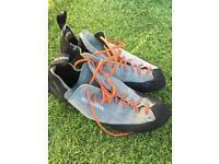Scarpa Climbing shoes Size 10/11