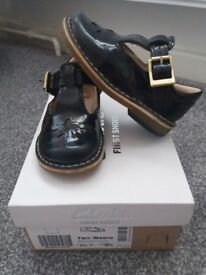 Clarks Shoes Size UK4.5 EU20.5