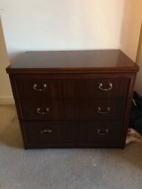Chest of drawers- very good condition