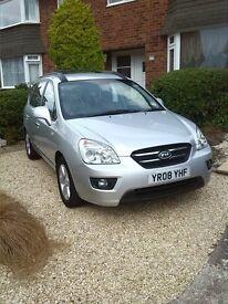 Kia Carens 2.0 litres petrol, alloys, great family car