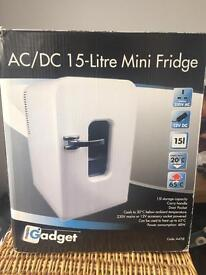15L mini fridge - hot and cold