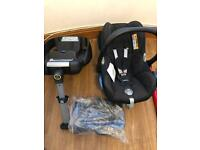 Maxi cosi cabriofix car seat with easyfix isofix base and newborn insert