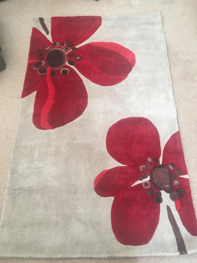 Cream rug with red poppy flower in failsworth manchester gumtree cream rug with red poppy flower mightylinksfo