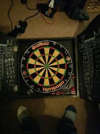 Dart board with 9 darts wimau wooden