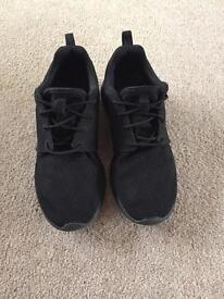 Nike Roshe mens trainers size 8