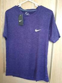 Mens large nike drifit purple top