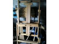 Cavas holder, easel