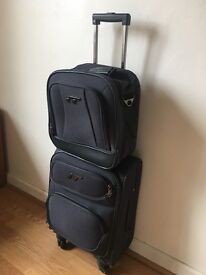 Cabin size Suitcase and Topper - iT - 4 wheels