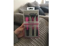 Brand new make up brushes