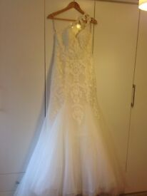 ** REDUCED **Maggie sottero wedding dress size 10