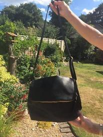Black handbag BNWT
