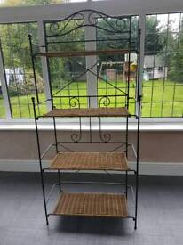 Shelving unit ratten