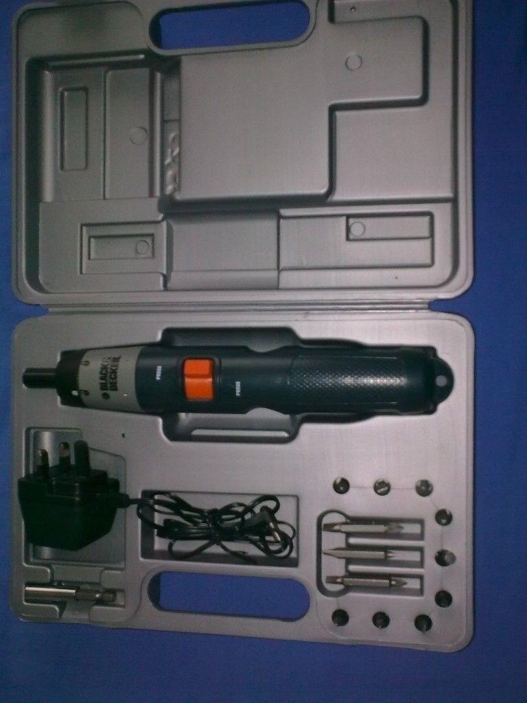 BLACK & DECKER ELECTRIC CORDLESS SCREWDRIVER KC9024, 2.4V SET, BRAND NEW