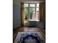 Spacious 3/4 bedroom house situated close to Golders Green Tube Station
