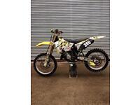 Suzuki RM 125 dirt bike, mx, 2 stroke.