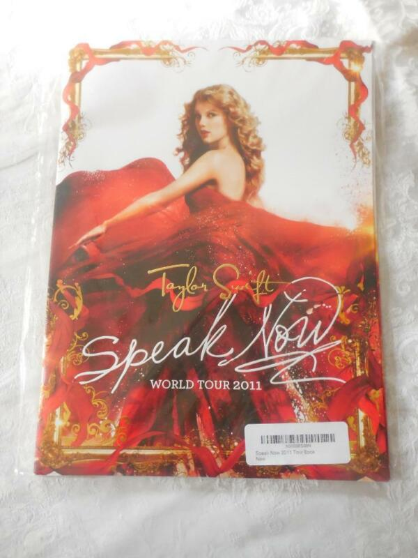 Taylor Swift MINT SEALED World Tour 2011 Program