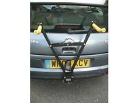 Bike rack , Towbar mounted , Lockable super quick to install and boxed/excellent