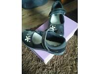 GIRLS CLARKS BLACK LEATHER LIGHT UP SHOES FOR SALE
