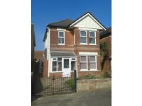 RARE OPPORTUNITY - 3 Bed Detached House Edgehill Road WINTON Great Location Well Presented