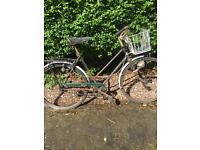 Vintage Ladies Raleigh bike circa 1940