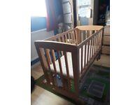 Mama's and papas baby crib