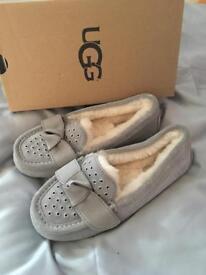 Grey Ugg Slippers Size 4 BNIB