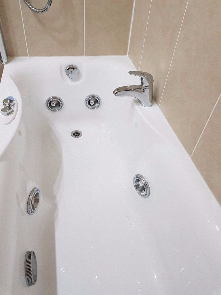 Jacuzzi Whirlpool bath for sale | in Kintore, Aberdeenshire | Gumtree